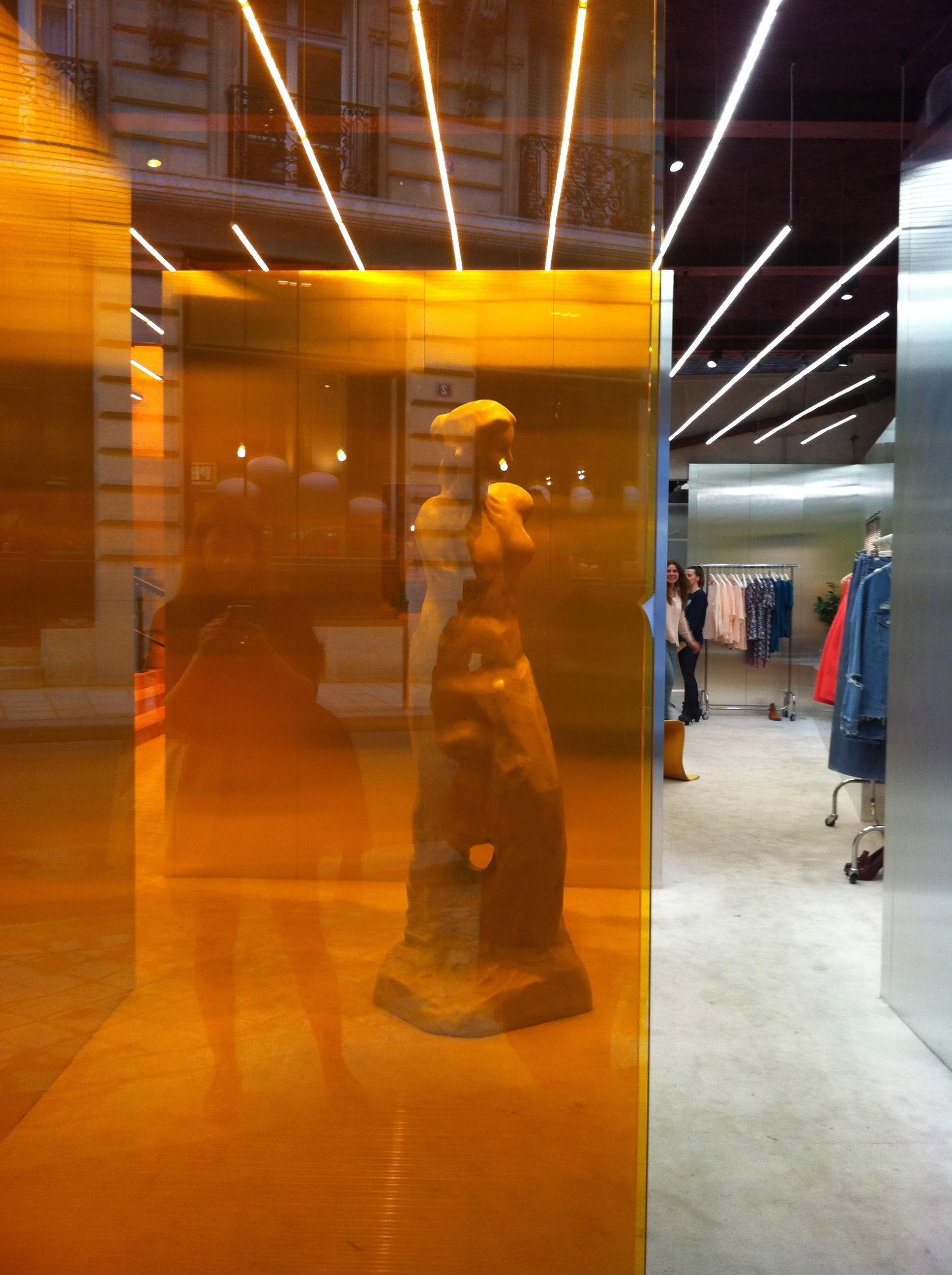 Acne Studio, 3 rue Froissart, Paris, 75003 1d7f595200a